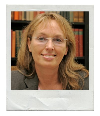Dr. Karolina F.